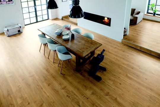 laminatova podlaha v kuchyni