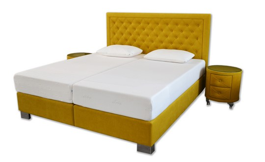 okrova calounena postel