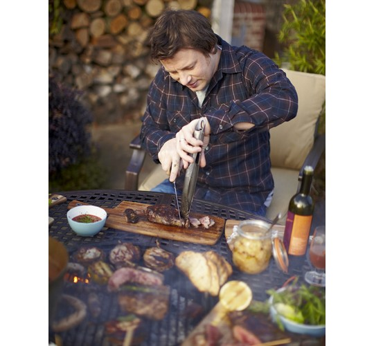 Jamie Oliver griluje