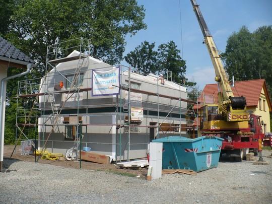 hruba stavba montovaneho domu