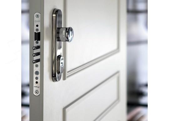 bezpecnosni prvky dveri Adlo