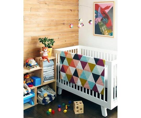 pestre barvy v detskem pokoji pro nejmensi
