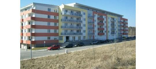 Rozhodovani mezi novostavbou a starsi nemovitosti neni cernobile.
