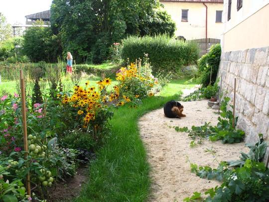 uzitkova a kvetinova zahrada