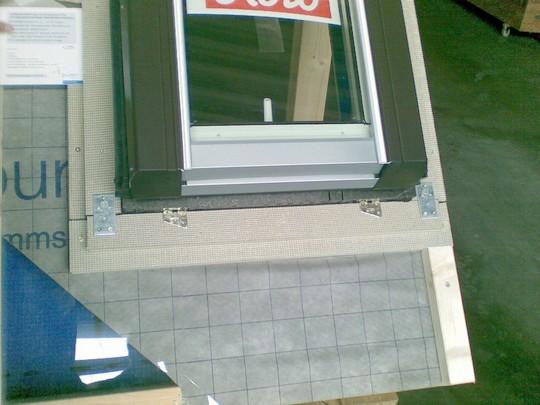 zatepleni stresniho okna deskami puren